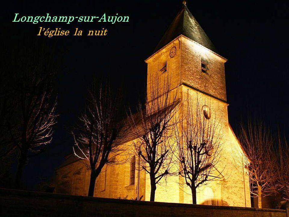Longchamp-sur-Aujon .. l'église la nuit