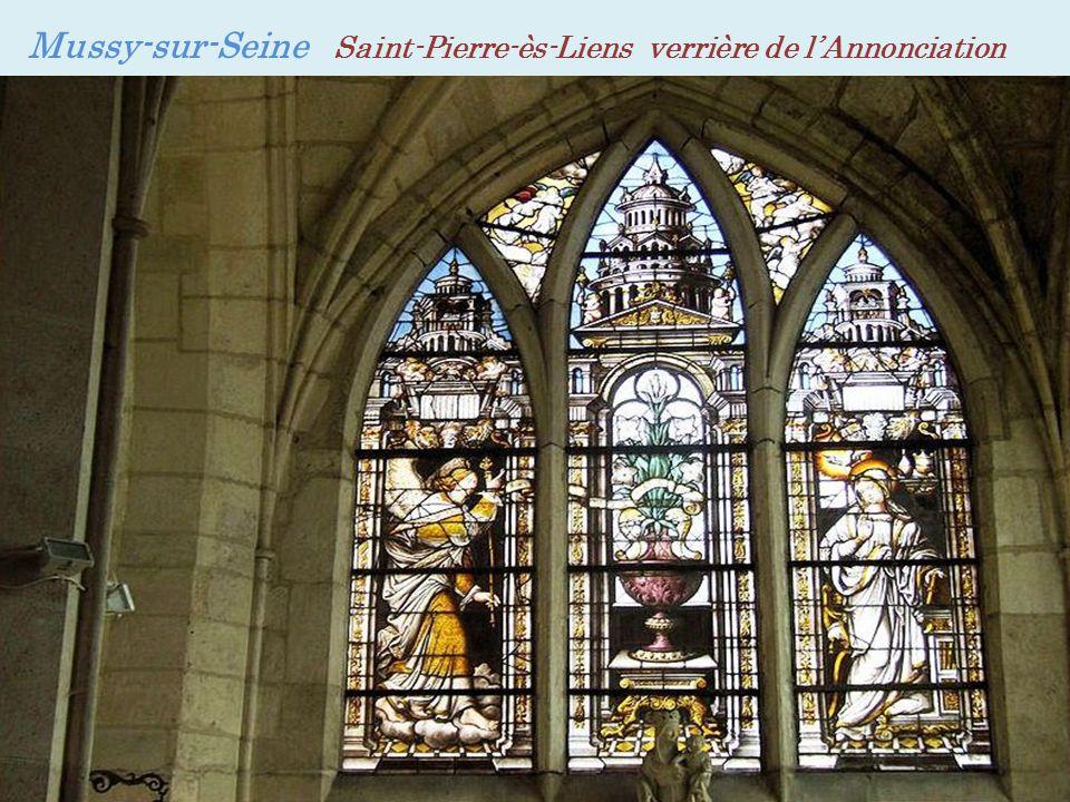 Mussy-sur-Seine Saint-Pierre-ès-Liens verrière de l'Annonciation