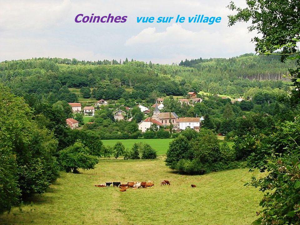 Coinches vue sur le village