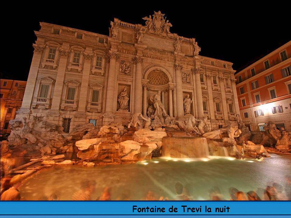 Fontaine de Trevi la nuit