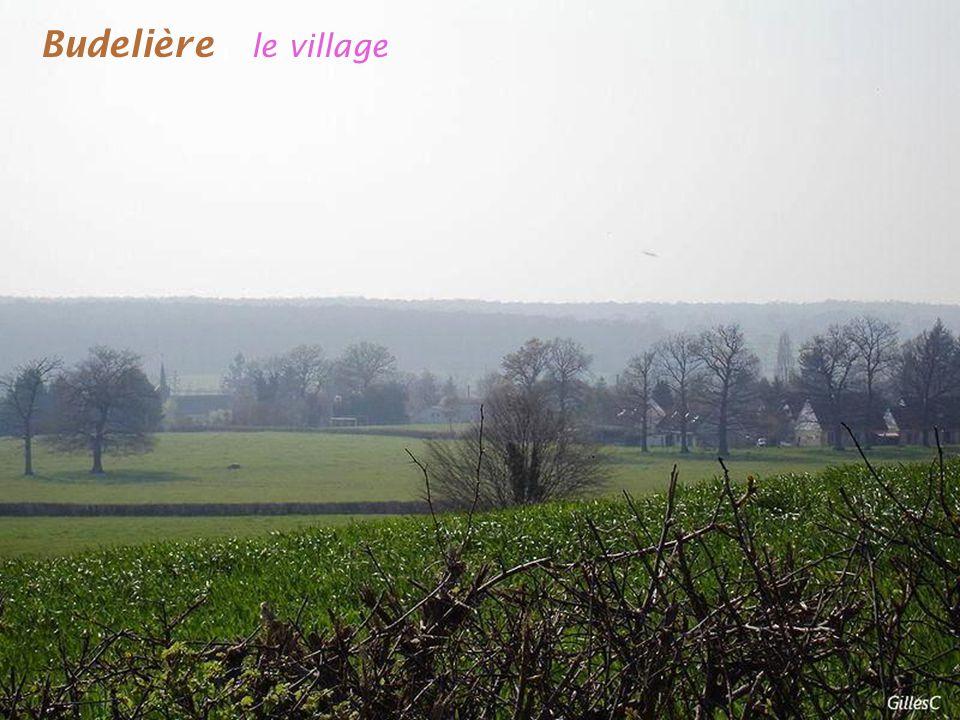 Budelière le village