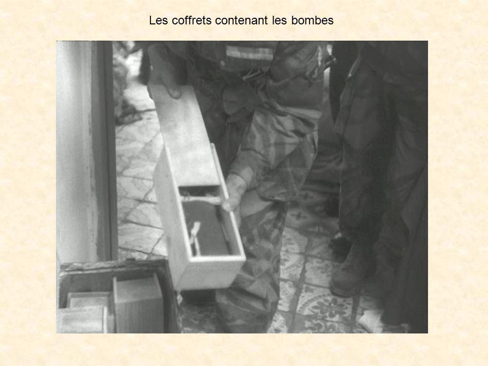 Les coffrets contenant les bombes