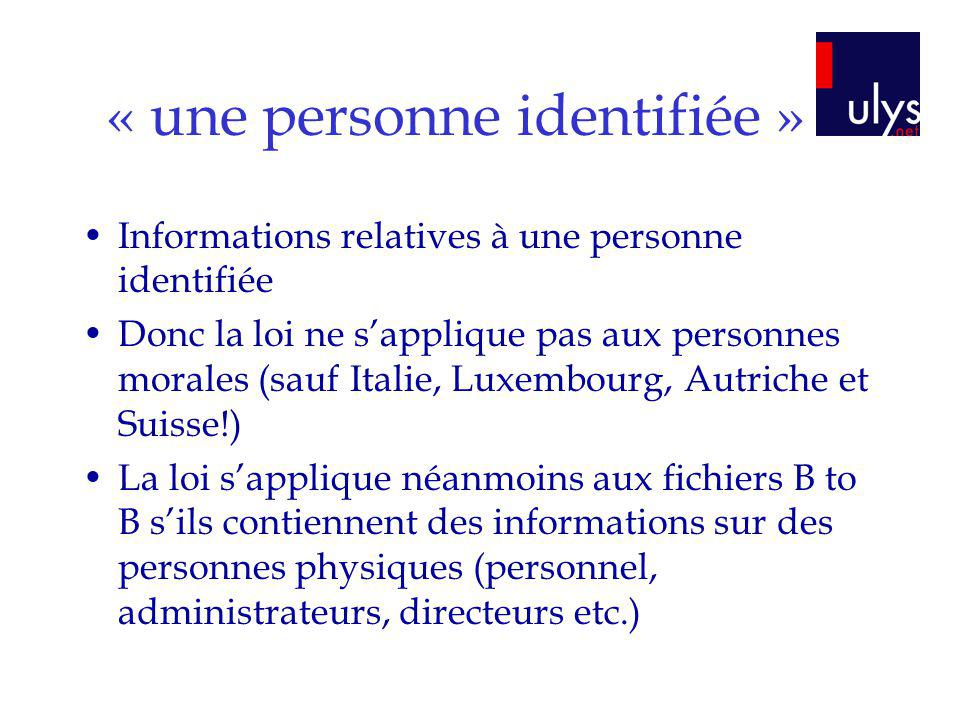 « une personne identifiée »
