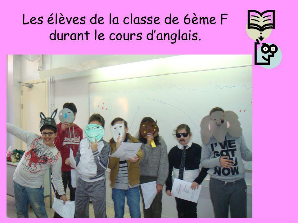 Les élèves de la classe de 6ème F durant le cours d'anglais.