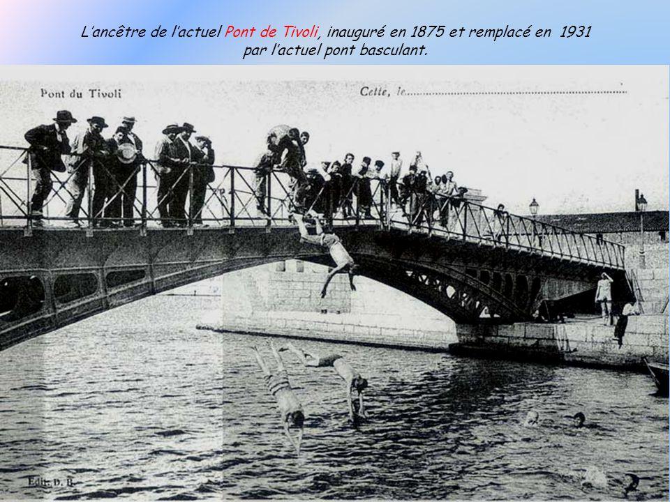 L'ancêtre de l'actuel Pont de Tivoli, inauguré en 1875 et remplacé en 1931 par l'actuel pont basculant.