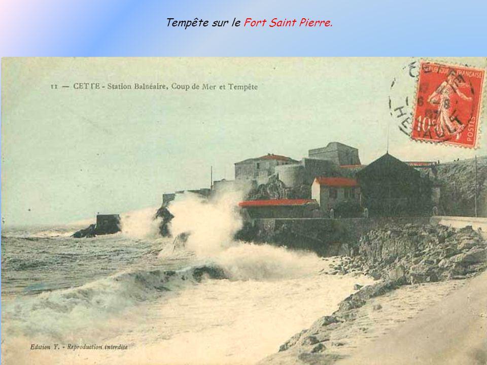 Tempête sur le Fort Saint Pierre.