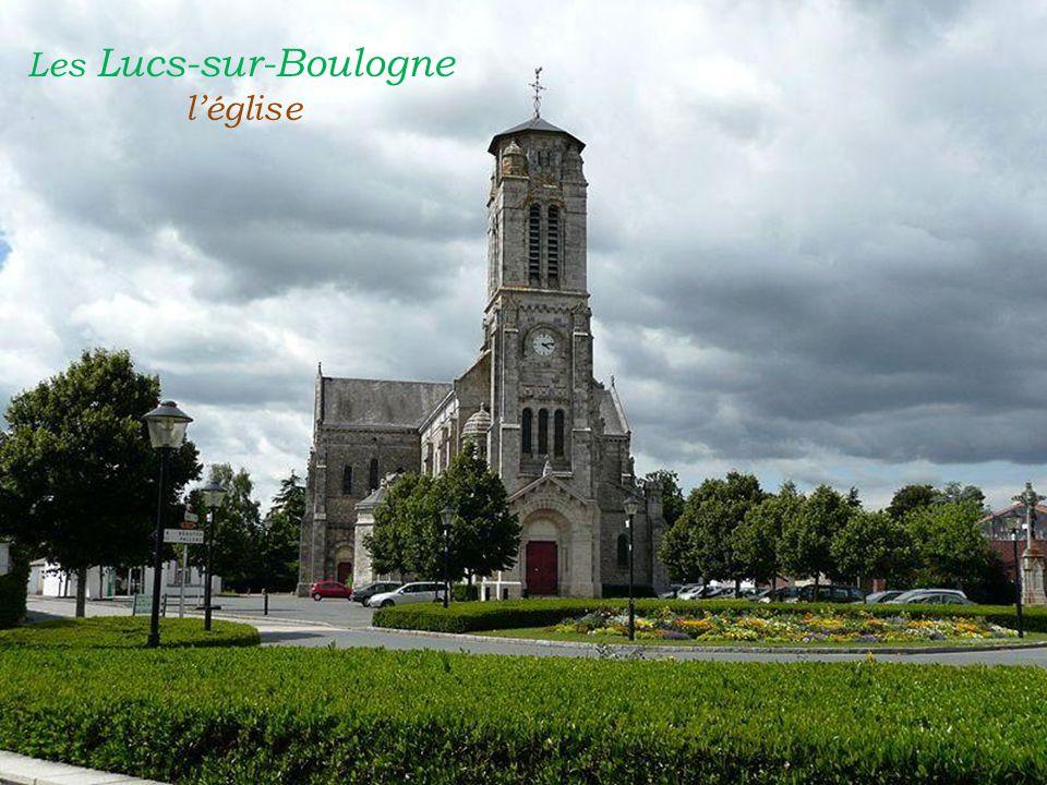 Les Lucs-sur-Boulogne . l'église