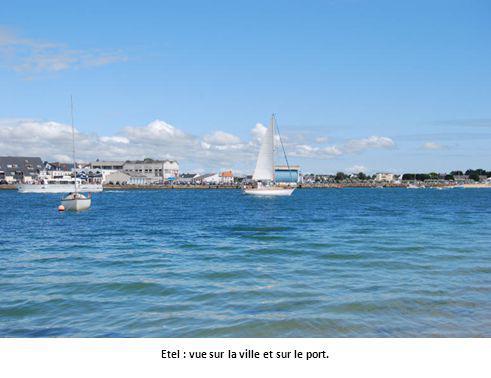Etel : vue sur la ville et sur le port.