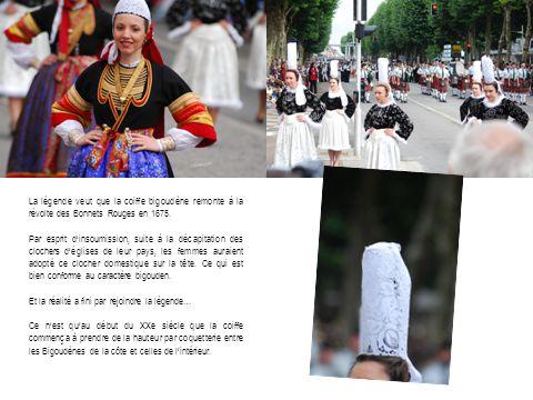 La légende veut que la coiffe bigoudène remonte à la révolte des Bonnets Rouges en 1675.