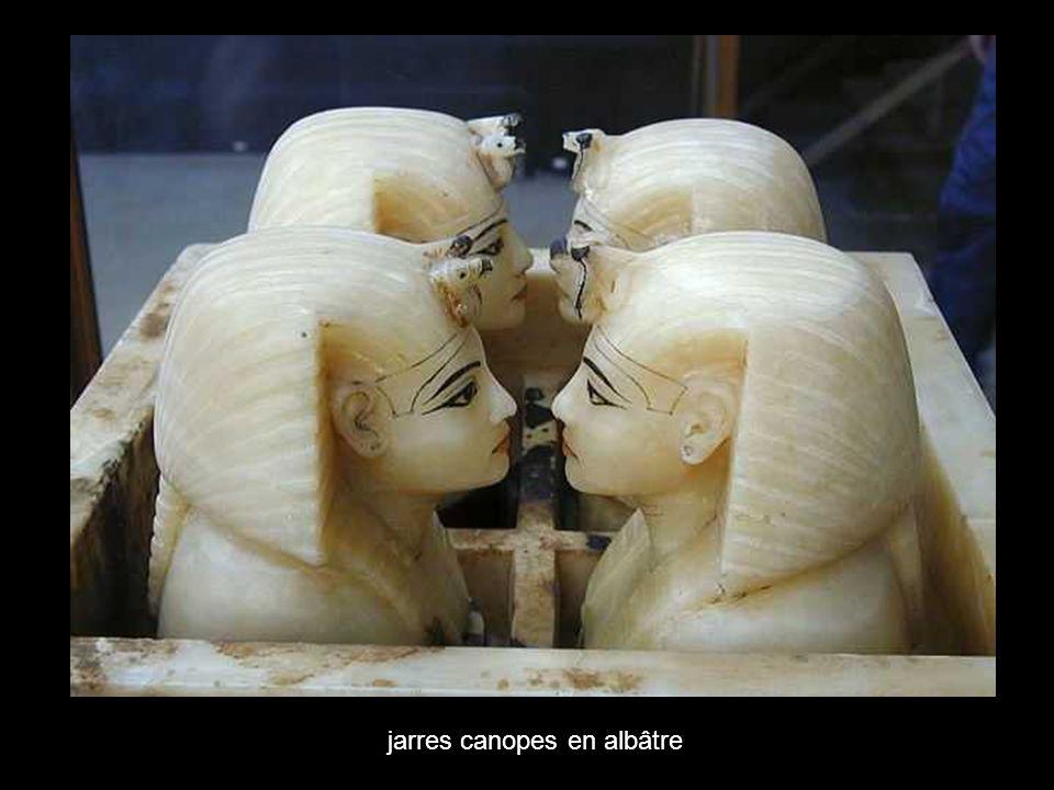 jarres canopes en albâtre