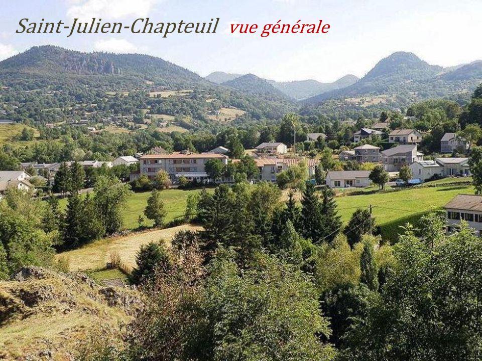 Saint-Julien-Chapteuil vue générale