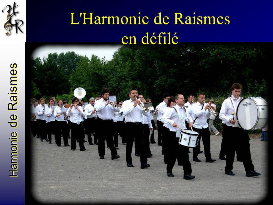 L Harmonie de Raismes en défilé