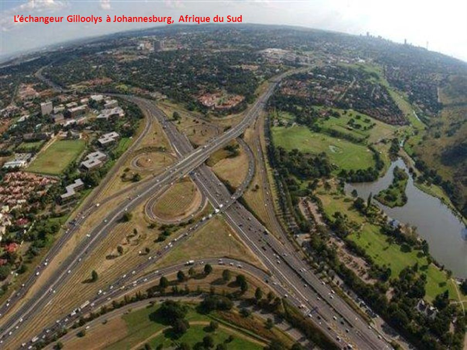 L'échangeur Gilloolys à Johannesburg, Afrique du Sud