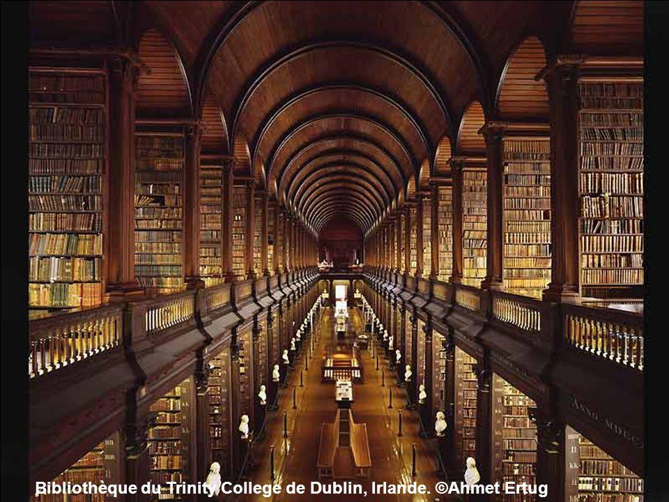 Bibliothèque du Trinity College de Dublin, Irlande. ©Ahmet Ertug