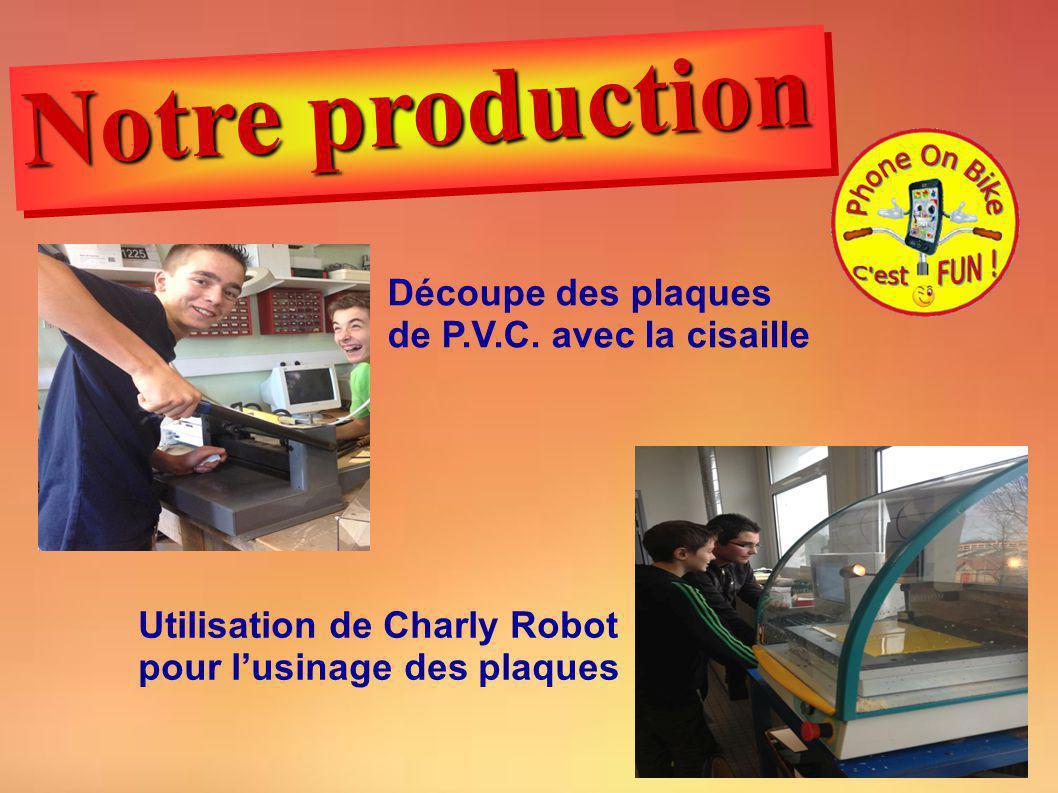 Notre production Découpe des plaques de P.V.C. avec la cisaille