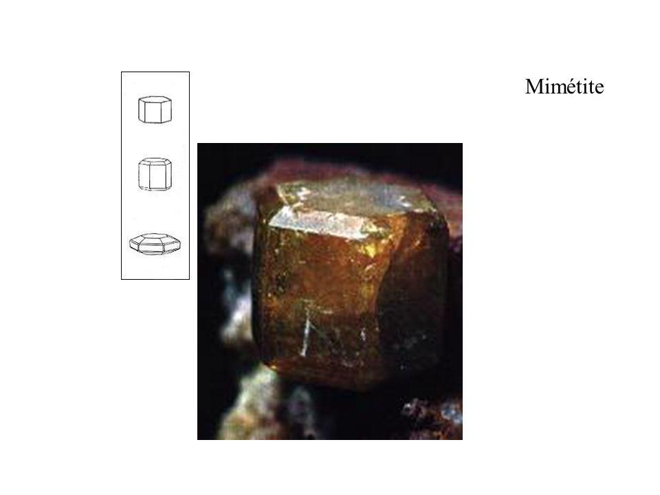 Mimétite taille du cristal 6 mm Prisme hexagonal et bipyramide .