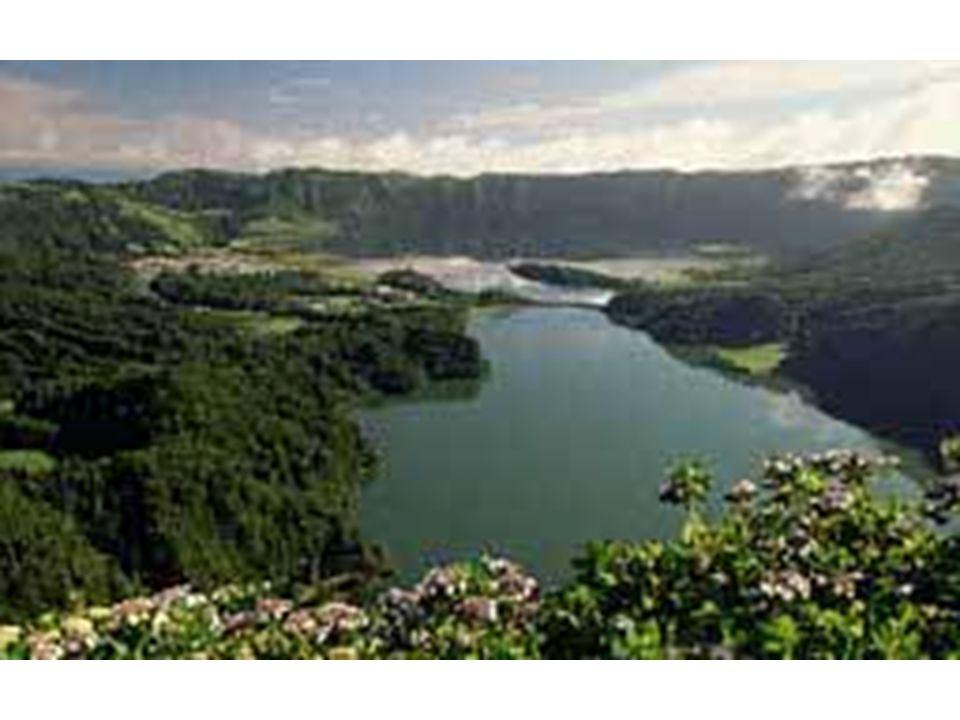 Sete Cidades, Açores Lac de caldeira et bordures en arrière-plan