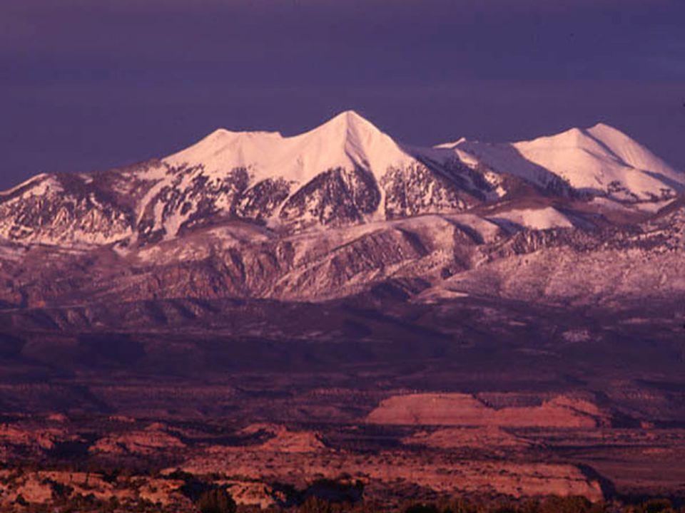 La Sal Mountains Utah Complexe intrusif (24 Ma) dont le cœur (en relief) s élève à 4 000 m.