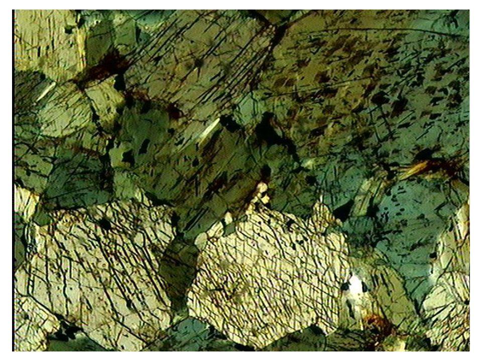 Clivage de la hornblende verte
