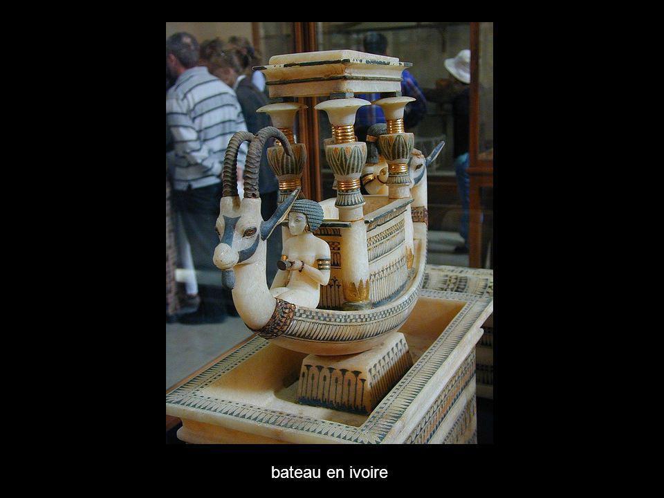 bateau en ivoire