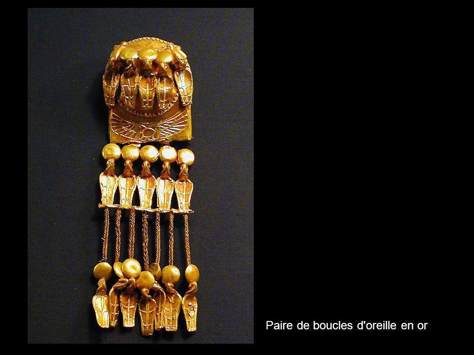 Paire de boucles d oreille en or