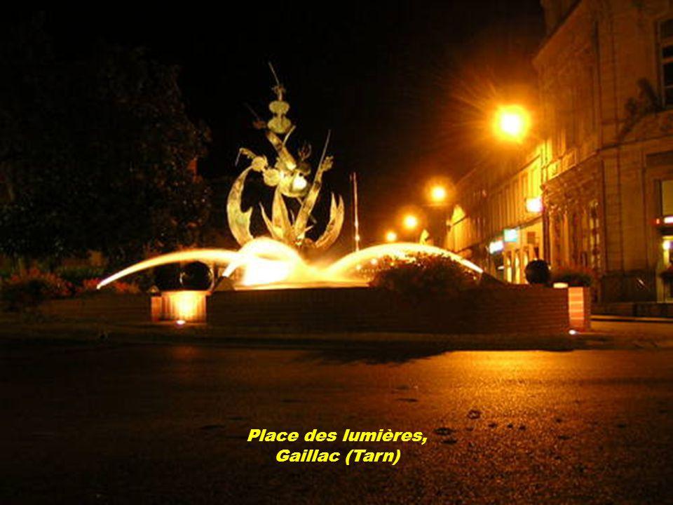 Place des lumières, Gaillac (Tarn)
