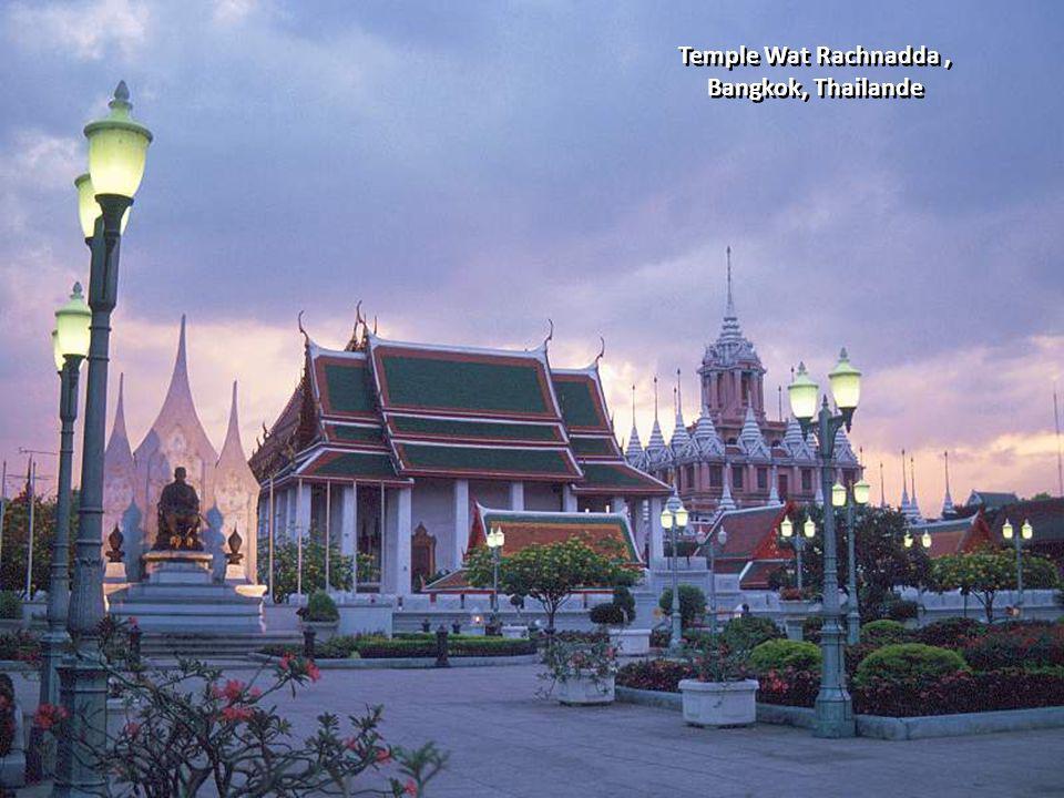 Temple Wat Rachnadda , Bangkok, Thailande