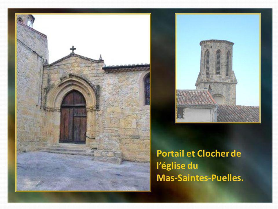 Portail et Clocher de l'église du Mas-Saintes-Puelles.