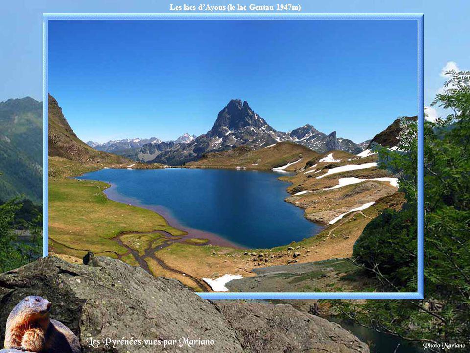 Les lacs d'Ayous (le lac Gentau 1947m)