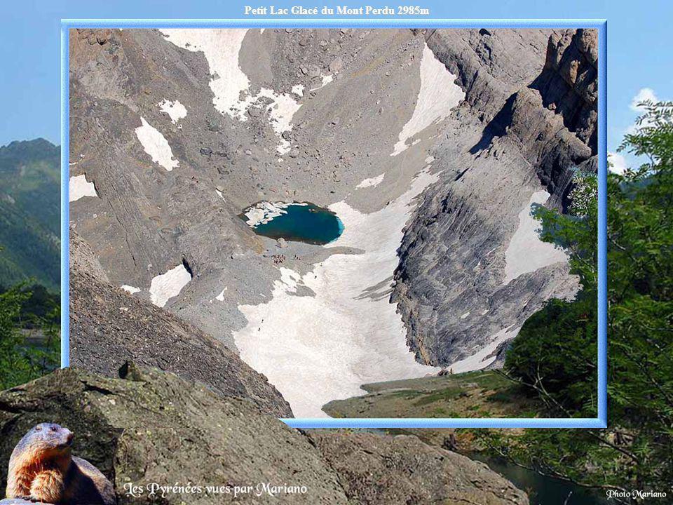 Petit Lac Glacé du Mont Perdu 2985m