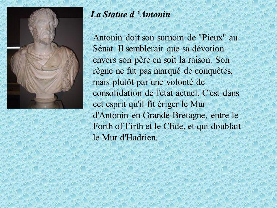 La Statue d 'Antonin
