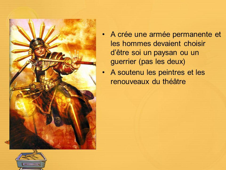 A crée une armée permanente et les hommes devaient choisir d'être soi un paysan ou un guerrier (pas les deux)