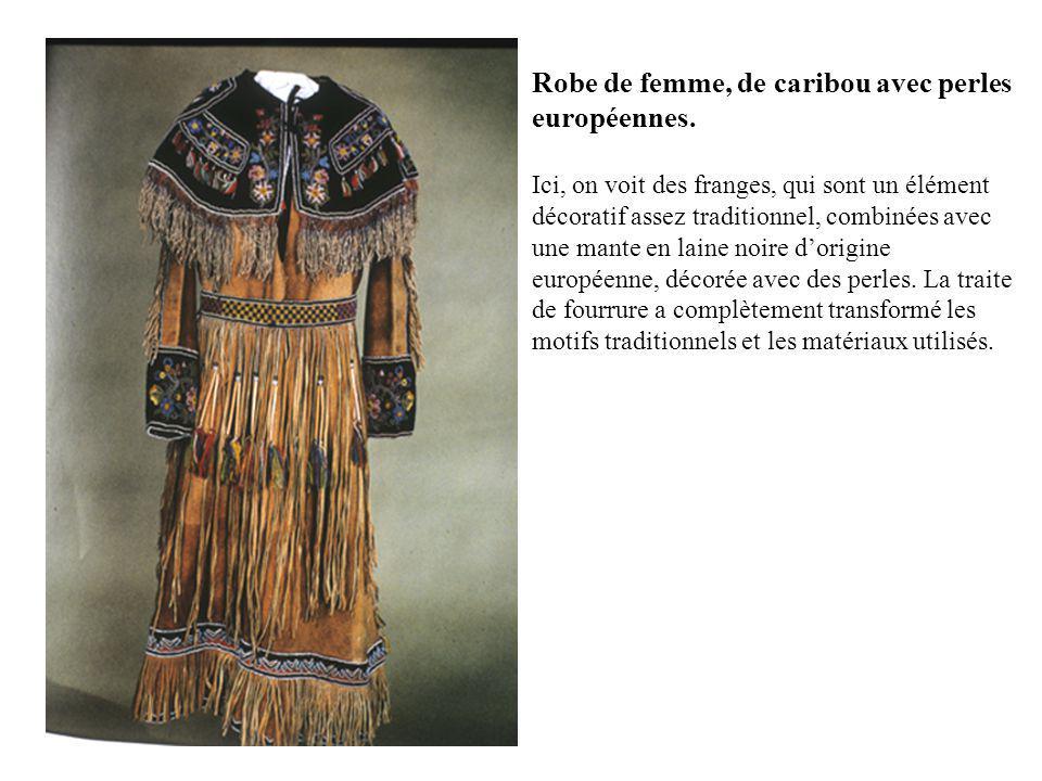 Robe de femme, de caribou avec perles européennes