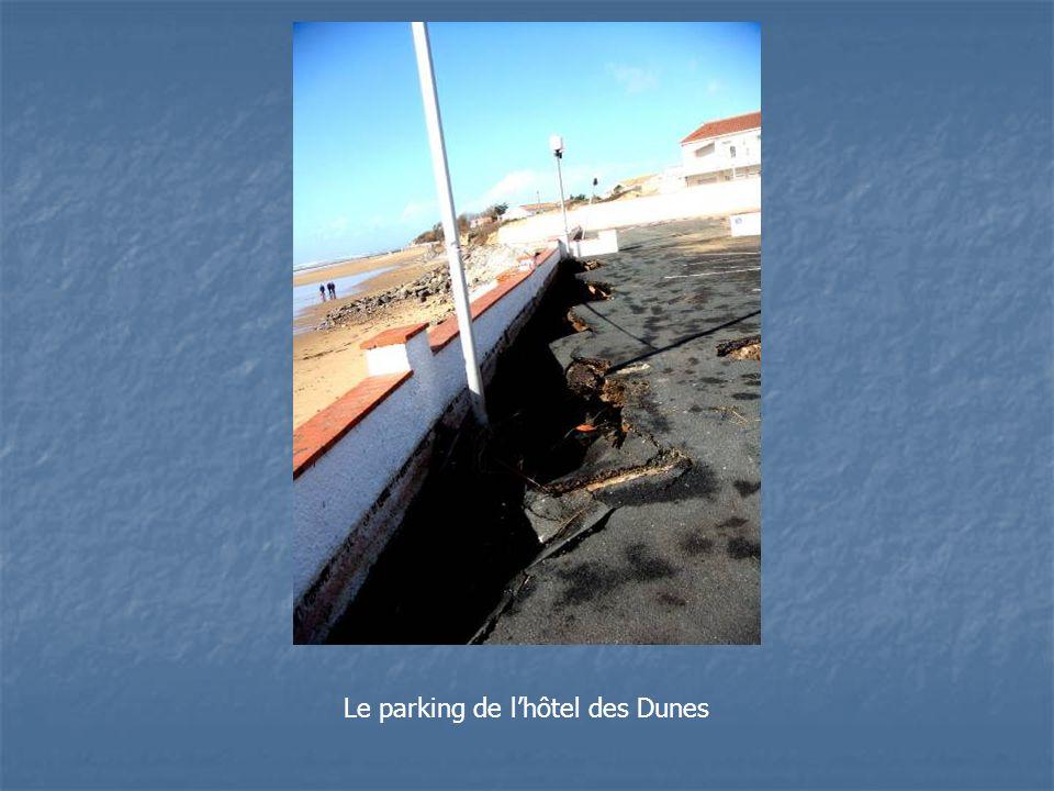 Le parking de l'hôtel des Dunes