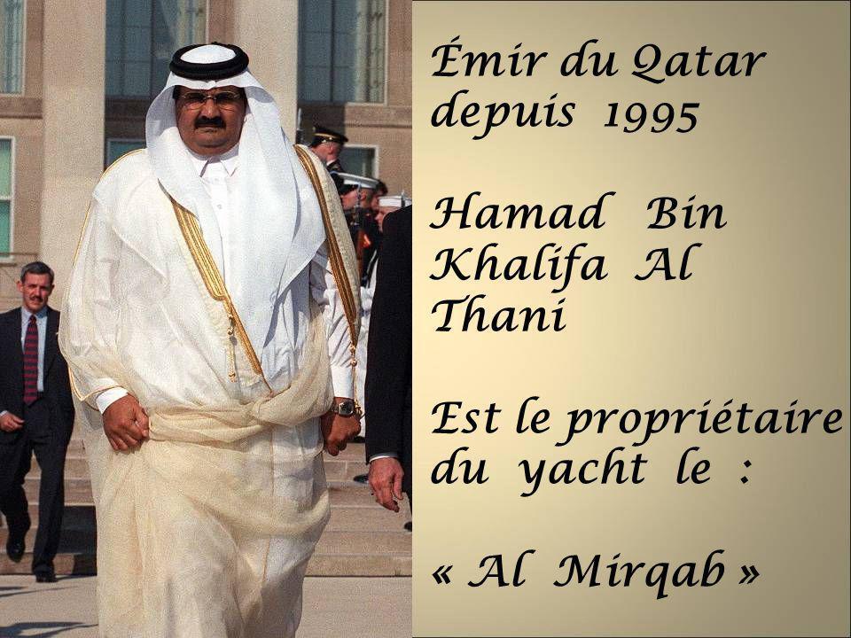 Émir du Qatar depuis 1995 Hamad Bin Khalifa Al Thani.