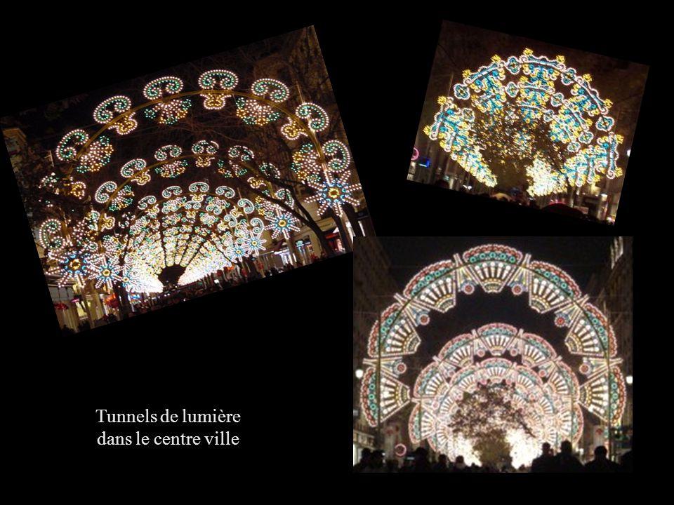 Tunnels de lumière dans le centre ville