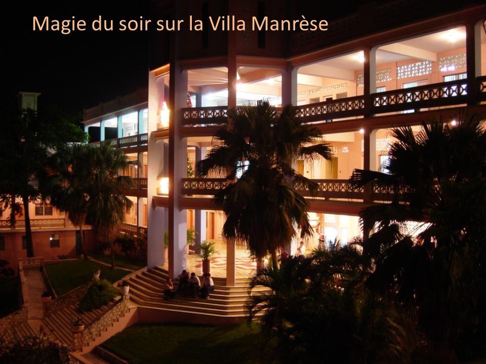 Magie du soir sur la Villa Manrèse