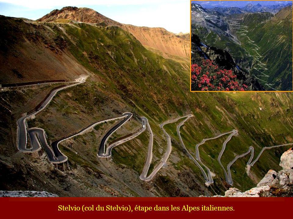 Stelvio (col du Stelvio), étape dans les Alpes italiennes.