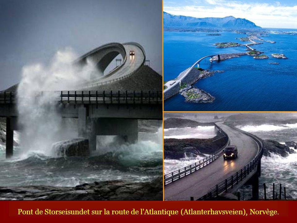 Pont de Storseisundet sur la route de l Atlantique (Atlanterhavsveien), Norvège.