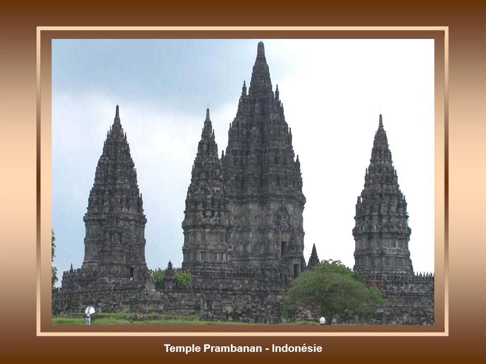 Temple Prambanan - Indonésie