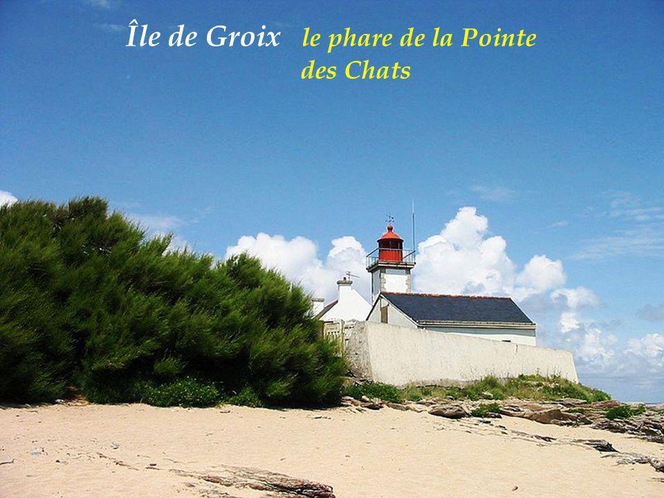 Île de Groix le phare de la Pointe . des Chats