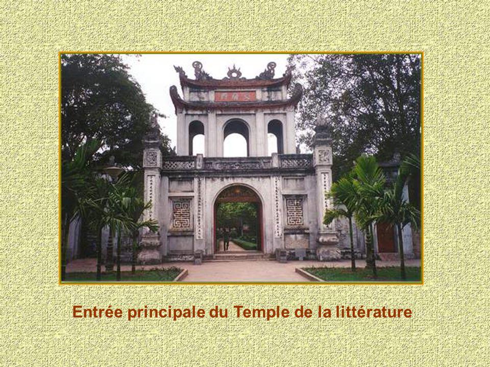 Entrée principale du Temple de la littérature