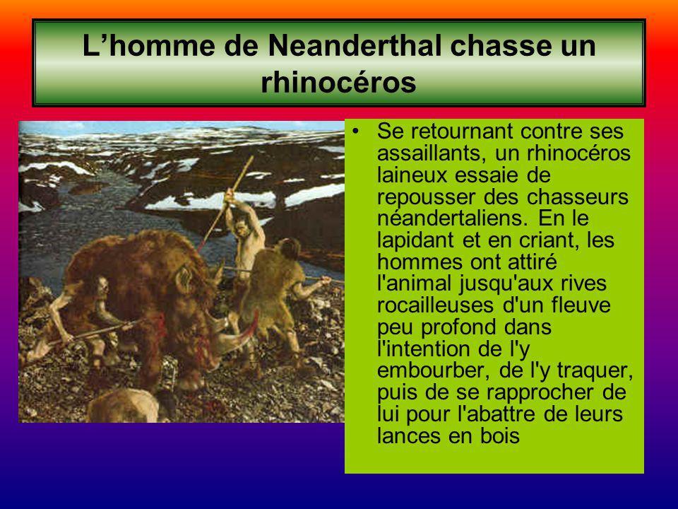 L'homme de Neanderthal chasse un rhinocéros