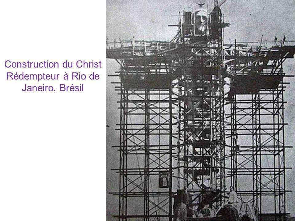 Construction du Christ Rédempteur à Rio de Janeiro, Brésil