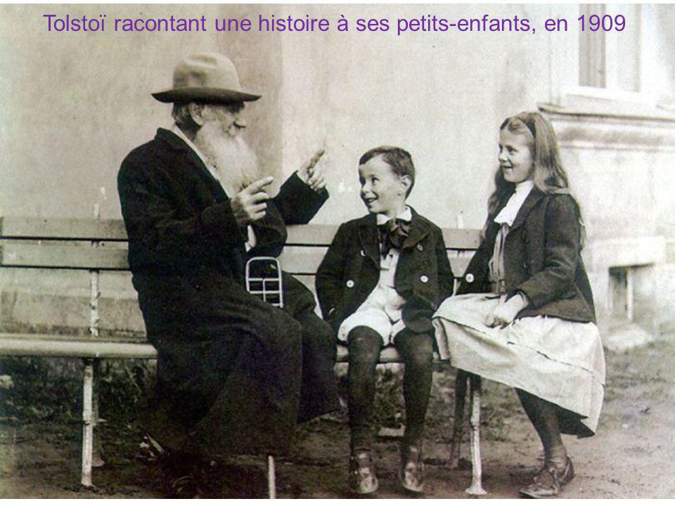 Tolstoï racontant une histoire à ses petits-enfants, en 1909