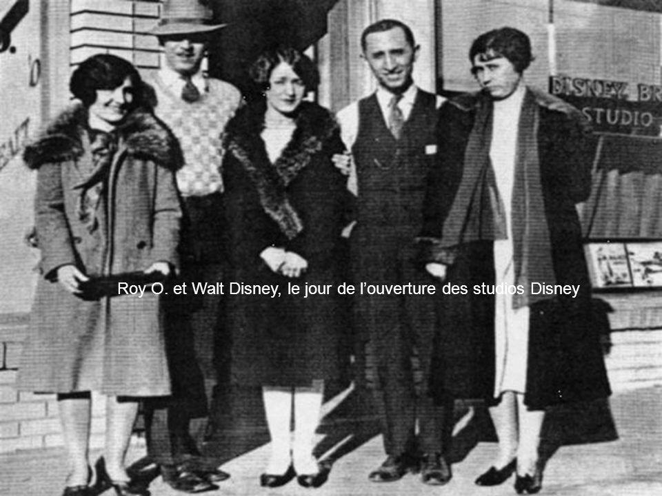 Roy O. et Walt Disney, le jour de l'ouverture des studios Disney