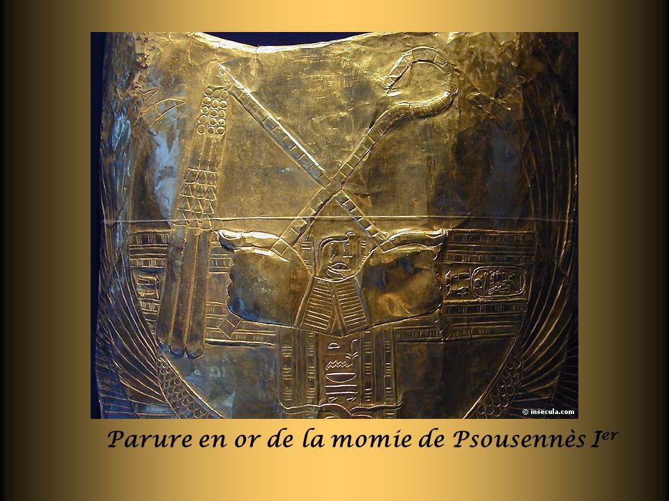 Parure en or de la momie de Psousennès Ier