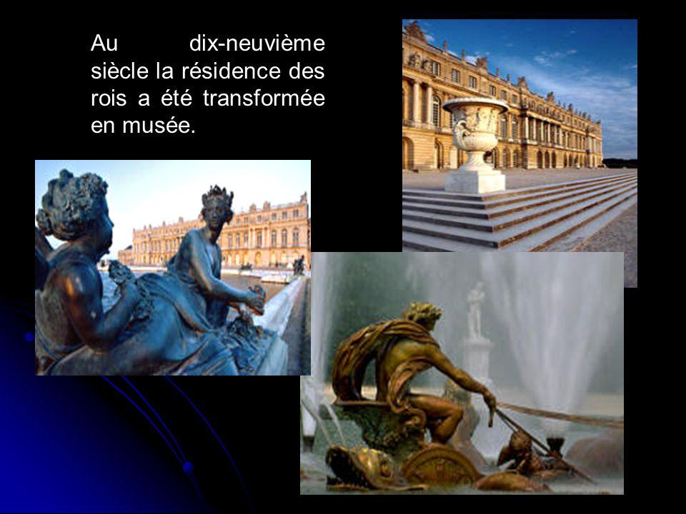 Au dix-neuvième siècle la résidence des rois a été transformée en musée.