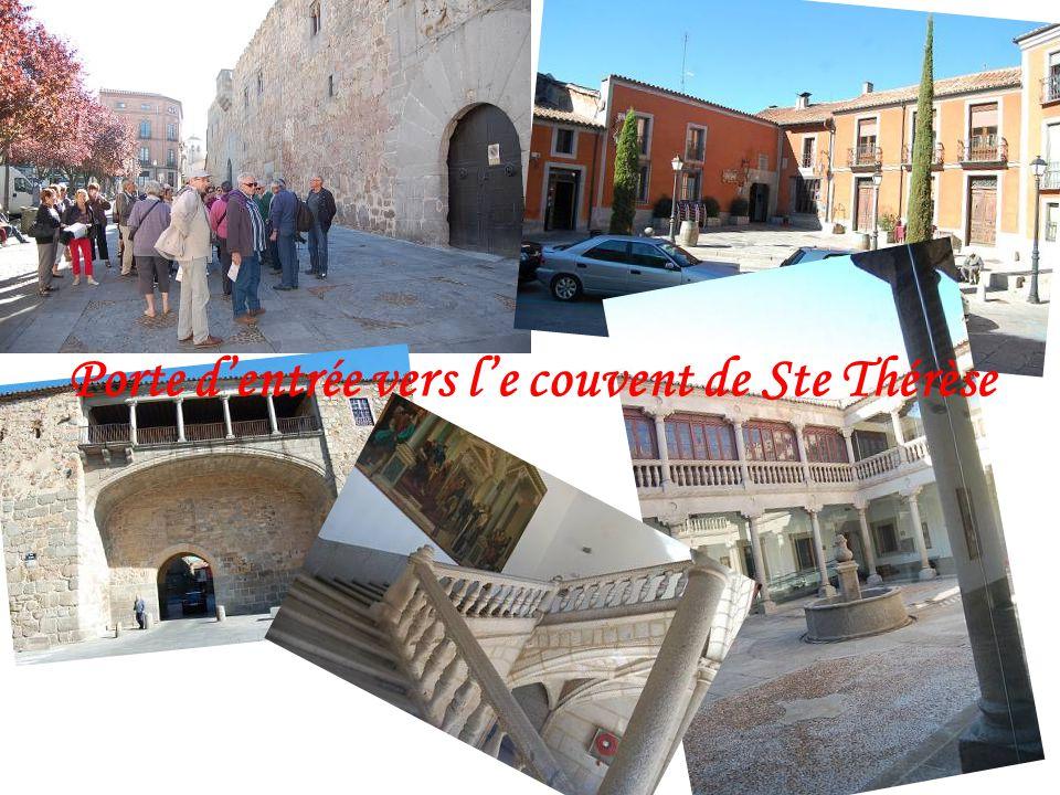 Porte d'entrée vers l'e couvent de Ste Thérèse