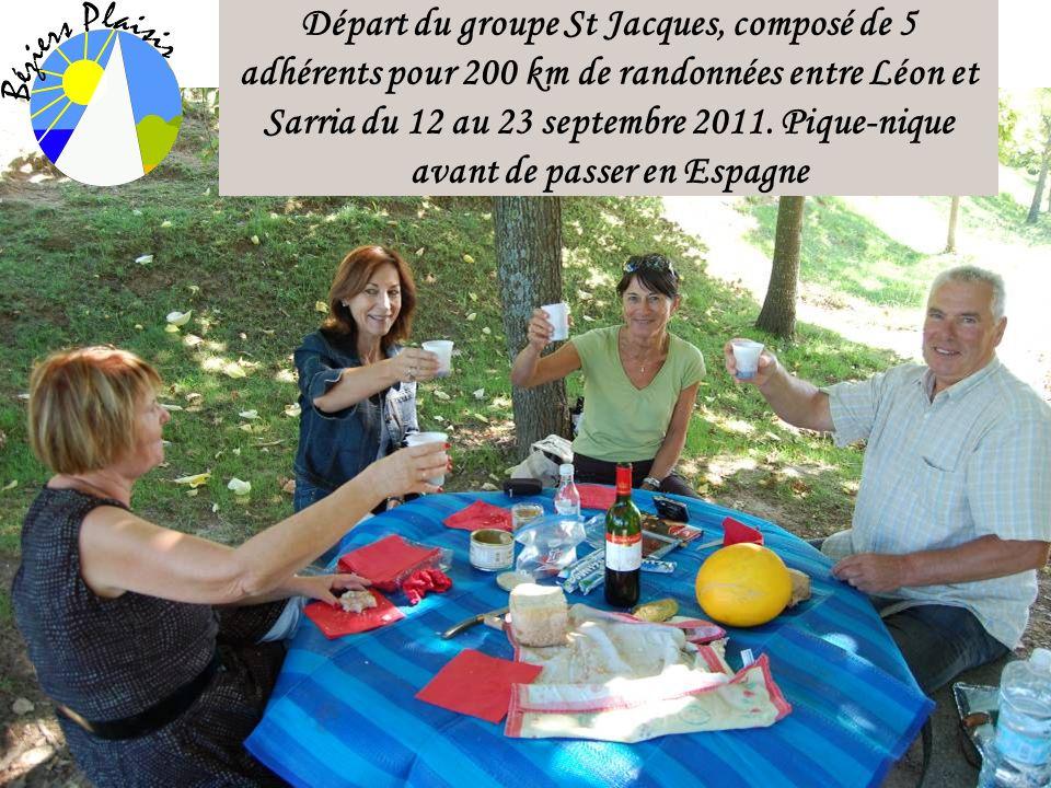 Départ du groupe St Jacques, composé de 5 adhérents pour 200 km de randonnées entre Léon et Sarria du 12 au 23 septembre 2011.